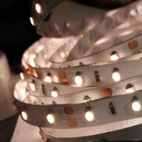 Как выбрать светодиодную ленту для интерьера и дополнительное оборудование к ней